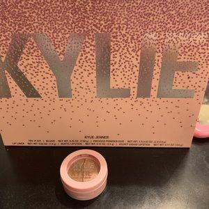 Kylie pressed powder duo✨